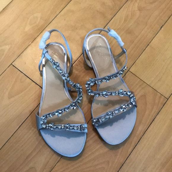 744c476741326 NWB Jewel Badgley Mischka bejeweled silver sandals